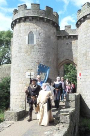 1376_Whittington-Castle-Wedding-11