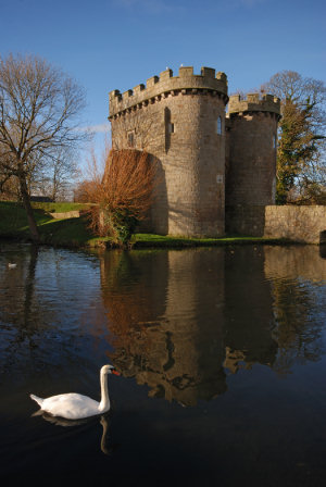 1376_whittington-castle-relections11
