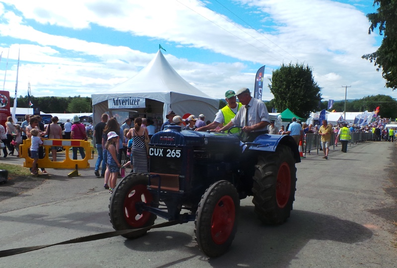 Oswestry-Show-Vinatge-tractor