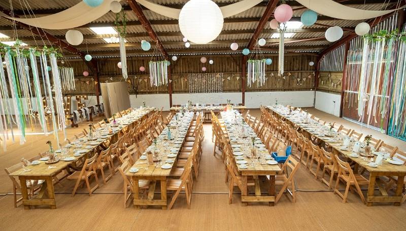 Gwaenynog-Farmhouse-Wedding-Barn2