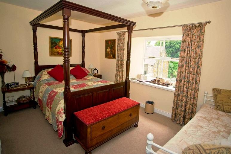 Owl-Bedroom-Gwaenynog-Farmhouse2